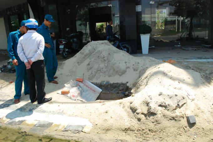UBND phường Thọ Quang cho biết đã có nhắc nhở nhưng chủ đầu tư và các chủ căn hộ chưa thực hiện nghiêm túc.