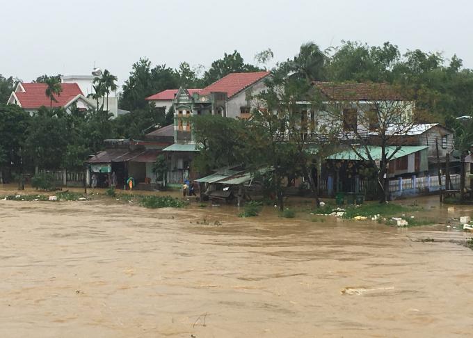 Khu vực huyện Hòa Vang bị ngập lũ sau cơn bão số 12.