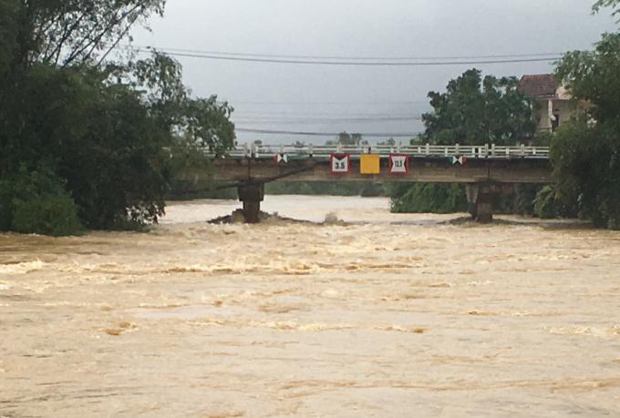 Theo Ban Chỉ huy Phòng chống thiên tai và Tìm kiếm cứu nạn thành phố Đà Nẵng nhận định, tình hình mưa lũ còn diễn biến phức tạp do các hồ thủy điện ở thượng nguồn sông Vu Gia – Thu Bồn.