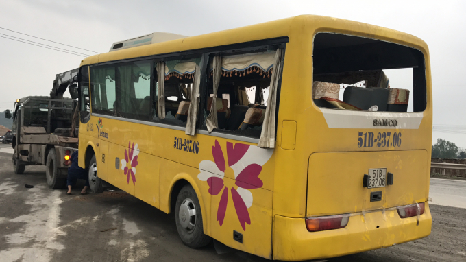 11 hành khách còn lại cũng bị thương sau khi xe bị lật khi đi qua Đà Nẵng.