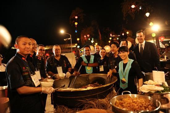 Liên hoan ẩm thực quốc tế Hội An năm 2017 có sự tham gia 10 đầu bếpnổi tiếng. Ảnh: Vietnamnet.