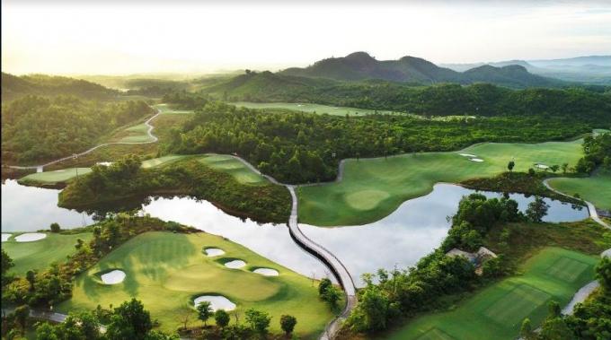 Sân golf Bà Nà Hills Golf Club có 18 lỗ tiêu chuẩn quốc tế.