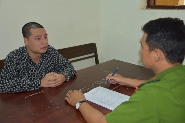 Đối tượng Nguyễn Anh Tiến (trái)cầm đầu đường dây cho vay lãi nặng tạiTP Tam Kỳ. Ảnh: CA Quảng Nam.