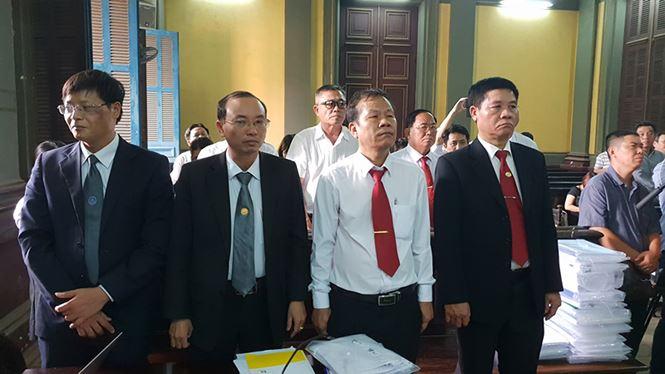 Đại diện Vinasun tại tòa ngày 28/12/2018. Ảnh Văn Minh.
