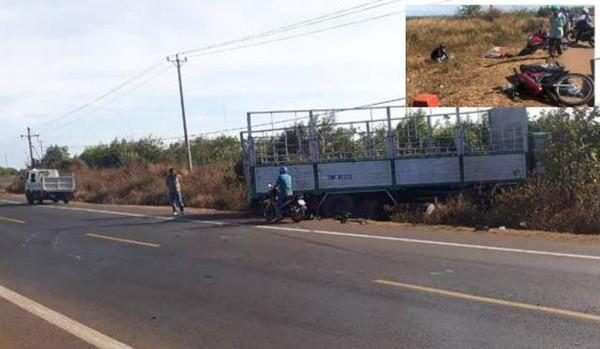 Hiện trường xe tải gãy trục quay ngang đường tông xe máy khiến 3 chị em tử vong. Ảnh: Dân trí.