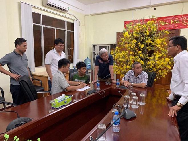 Lãnh đạo C02 lấy lời khai nghi can Trần Tuấn Anh.