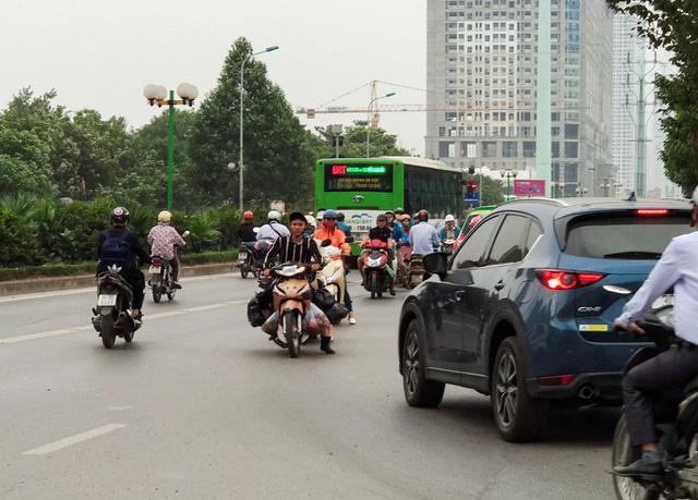 Lý giải về tình trạng này, anh Lê Huy Nam (trú tại phường Vạn Phúc, Hà Đông) cho biết: