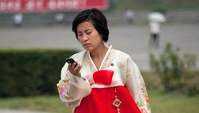 Tính đến năm 2017, Triều Tiên mới chỉ có khoảng 2,5 triệu người dùng điện thoại, tỷ lệ sử dụng là 1/10 người - Ảnh: Flickr.