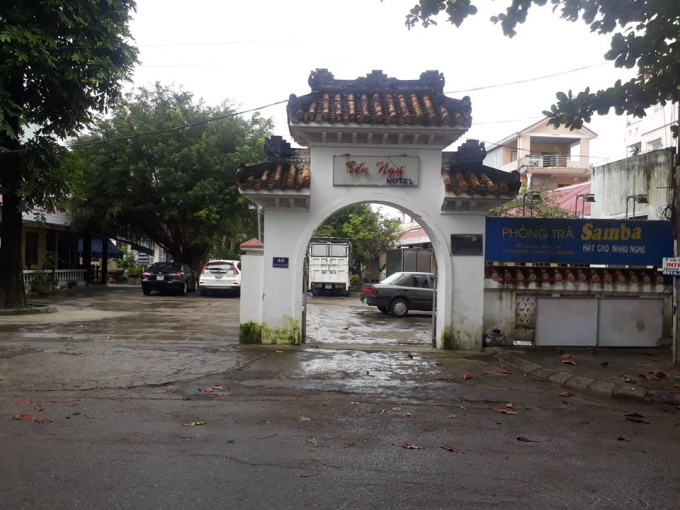 Khu đất số 40 đường Trần Thúc Nhẫn, nơi được Công ty Cổ phần Thương mại và Đầu tư xây dựng số 32 Hà Nội thuê với mục đích sử dụng làm văn phòng và khách sạn Bến Ngự.