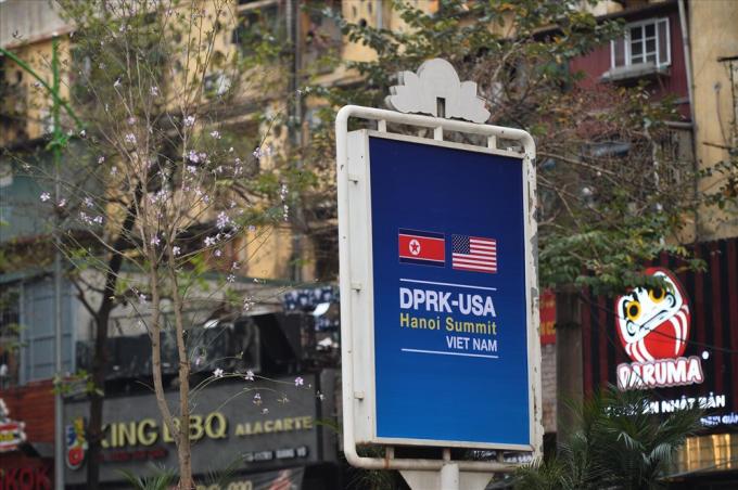 Hà Nội trang hoàng đường phố chào đón hội nghị thượng đỉnh Mỹ - Triều