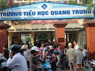 Ngay giữa Hà Nội, một cô giáo bị