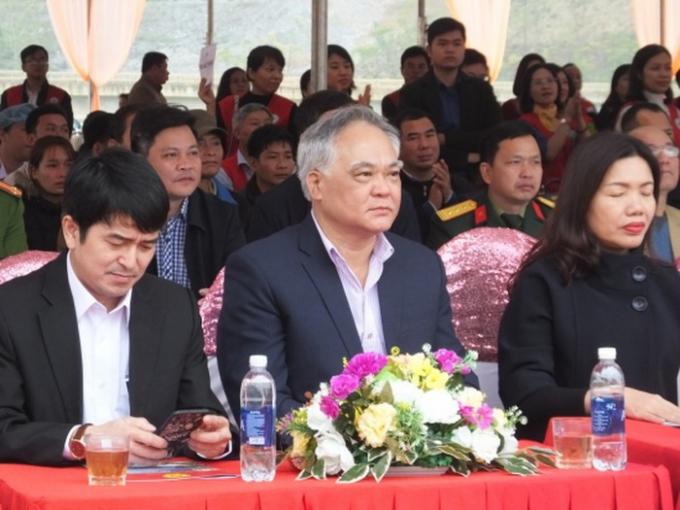 Ông Phạm Bá Diệm, Bí thư Huyện ủy Huyện Quan Hóa (ngồi giữa)