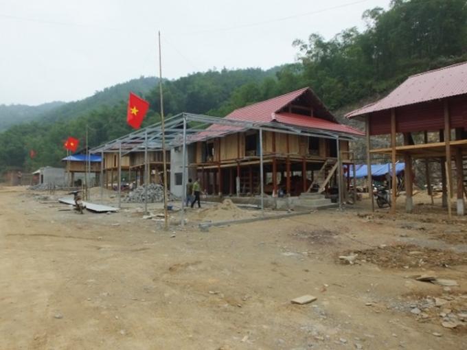 84 căn nhà mới được xây dựng khang trang giúp bà con đón Tết.