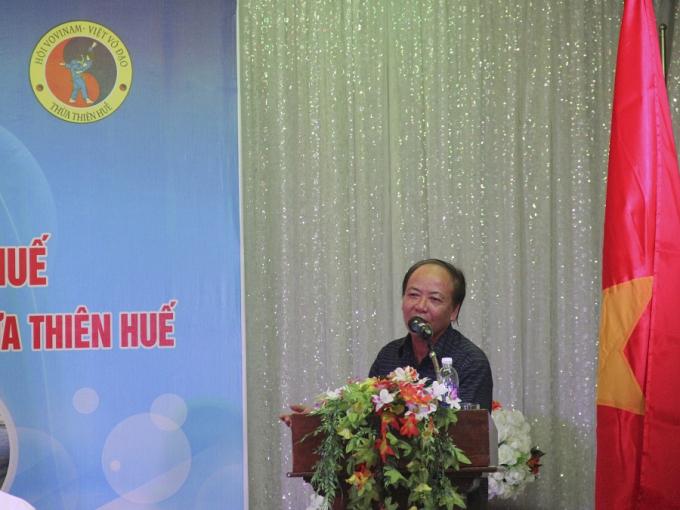 Đại diện Sở Văn hóa và Thể thao tỉnh Thừa Thiên - Huế phát biểu, chia sẻ về chặng đường mà bộ môn VOVINAM tỉnh nhà đã đi qua.