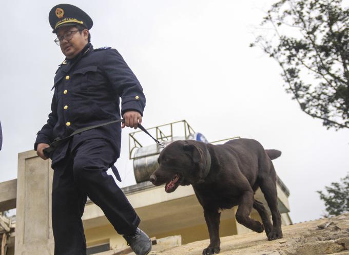 Đồng chí Trần Nhật Vũ bắt đầu một buổi huấn luyện