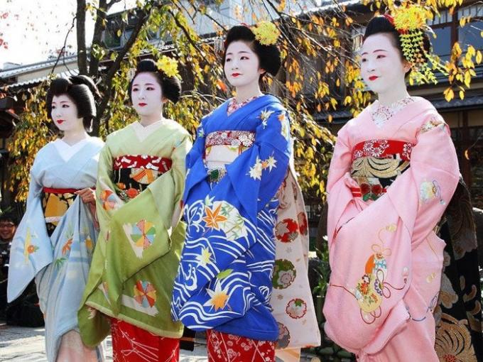 Chính phủ Nhật Bản luôn độc quyền việc lựa chọn lịch nào là lịch quốc gia.
