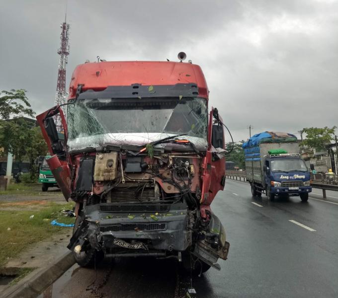 Rất may vụ tai nạn không gây thiệt hại về người.