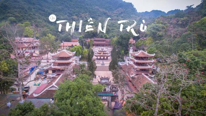 Quang cảnh chùa Hương nhìn từ trên cao - Ảnh internet