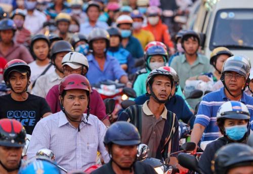 TS Phạm Xuân Mai cho rằng xe máy chính là thủ phạm gây kẹt xe tại TP HCM vì số lượng quá nhiều, trong khi diện tích đường không đủ. Ảnh:L.G
