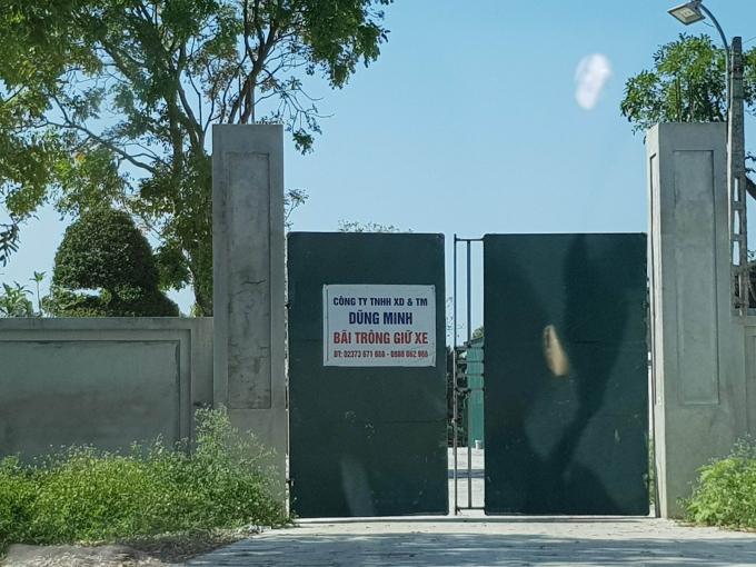 Cơ sở ngang nhiên núp bóng bãi trông giữ xe để hoạt động chui cả ngày lẫn đêm gây ô nhiễm môi trường.
