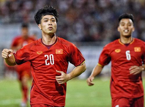 Công Phượng vừa kiến tạo và ghi bàn ấn định chiến thắng cho đội tuyển Việt Nam.
