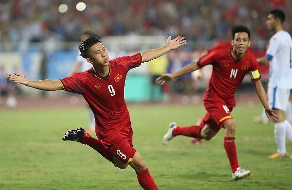 Tiền vệ Phan Văn Đức chia sẻ về mục tiêu mà HLVPark Hang Seo đặt mục tiêu sốc cho U23 Việt Nam ở ASIAD 18.