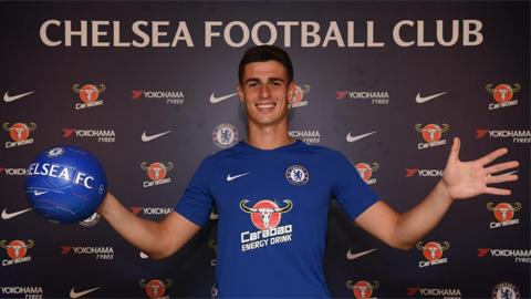 Chelsea đã buộc phải chi ra số tiền giải phóng hợp đồng đểmang về Kepa từ Athletic Bilbaovì mong muốn rời sân Stamford Bridge của Thibaut Courtois.