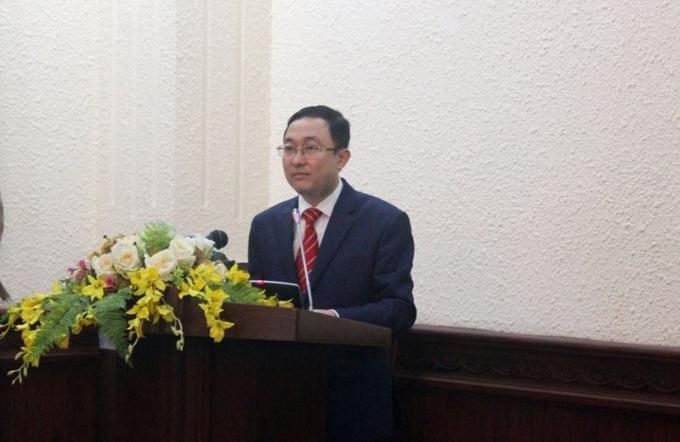 Phó Vụ trưởng Vụ PBGDPL Phan Hồng Nguyên công bố giải thưởng hai cuộc thi