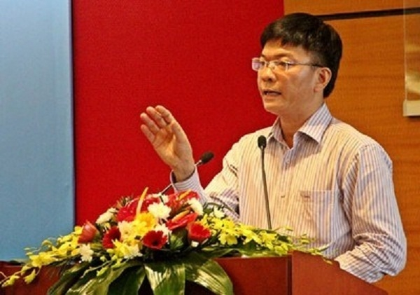 Ông Long bắt đầu công tác tại Bộ Tư pháp vào năm 1987, trải qua các cương vị lãnh đạo tại Vụ Hợp tác Quốc tế; Vụ Các vấn đề chung về xây dựng Pháp luật.