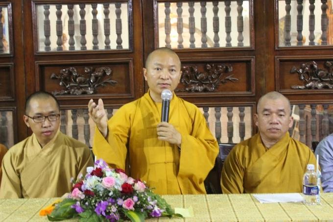 Hòa thượng Thích Nhật Từ - Trưởng ban văn hóa GHPGVN tại thành phố Hồ Chí Minh, phát biểu tại buổi lễ khai mạc.