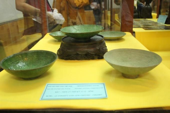 Bát gốm thế kỷ Lý thế kỉ 11 - 12.