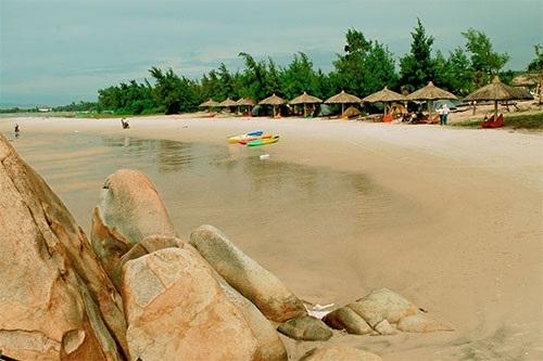 Ra mắt khu căn hộ nghỉ dưỡng, vui chơi và giải trí trên biển Đá Vàng