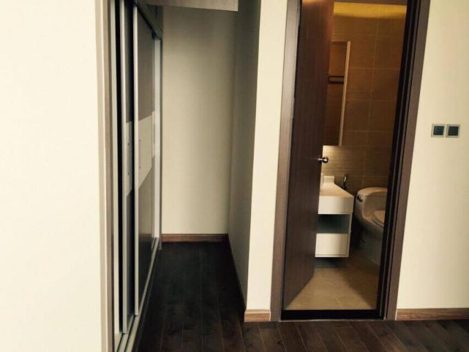 Nhà mới bàn giao, mới nguyên chưa qua sử dụng.  Căn hộ trang bị thiết bị Smarthomes hiện đại cho căn phòng.