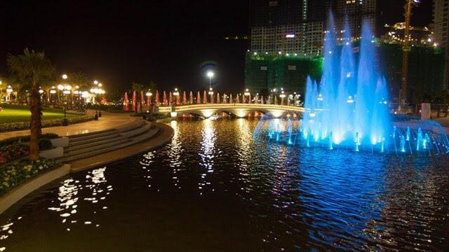 Với vị trí Nhất cận thị - Nhị cận giang - Tam cận lộ Vinhomes Central Park rực rỡ bên sông Sài Gòn ngay vị trí trung tâm thành phố.
