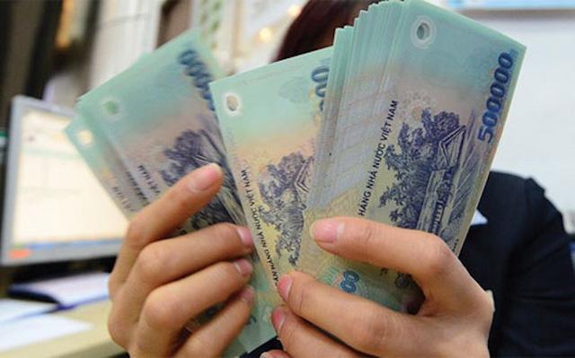 """Một ngân hàng vốn đầu tư nước ngoài tại TPHCM có mức thưởng Tết """"khủng"""" nhất lên tới 1,5 tỷ đồng."""