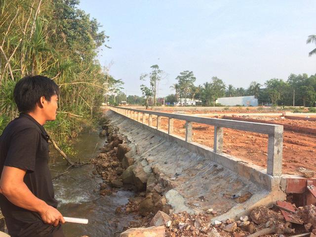 Sau khi báo chỉ phản ánh về tình trạng phân lô, bán nền... băm nát đảo ngọc Phú Quốc, Phó Thủ tướng thường trục Trương Hòa Bình đã có công văn chỉ đạo thanh tra việc quản lý sử dụng đất nông nghiệp trên địa bàn huyện Phú Quốc.