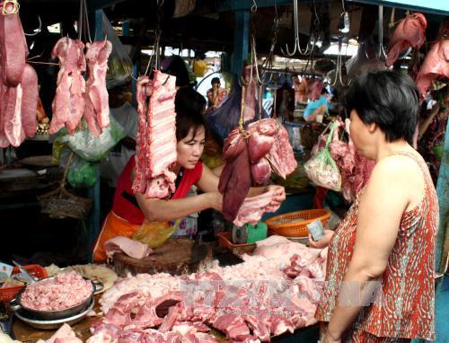 Giá thịt lợn tăng mạnh trong thời gian qua. Ảnh: TTXVN