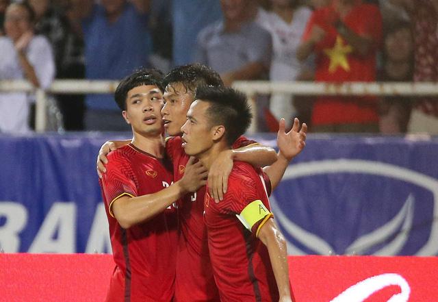 Văn Quyết tiếp tục là đội trưởng của đội tuyển Olympic Việt Nam tại Asiad 2018 (ảnh: Gia Hưng)