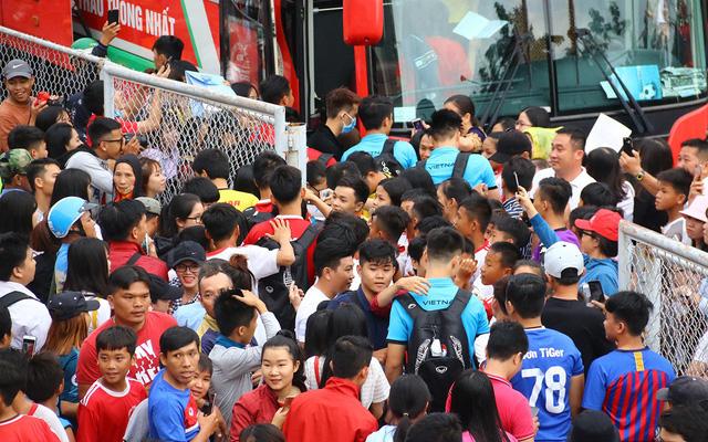 Người hâm mộ vẫn dành tình cảm rất lớn cho đoàn quân của HLV Park Hang Seo.