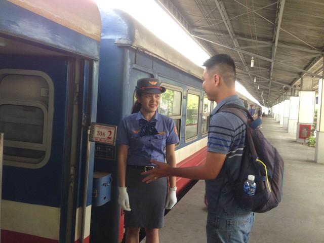Đường sắt Sài Gòn tăng thêm 30 chuyến phục vụ hành khách dịp lễ và có chính sách giảm giá vé từ 10-20%.