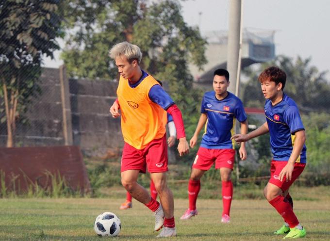 Văn Toàn tập luyện rất nhiệt với hy vọng sẽ có suất đá chính ở những trận đấu tới của Olympic Việt Nam.