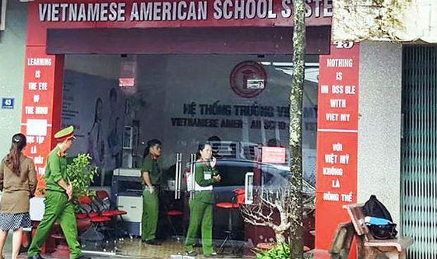 Khám xét trụ sở Trường cao đẳng Việt Mỹ