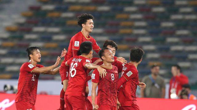 Hy vọng rằng thành công của các đội tuyển trong năm cũ sẽ giúp cho bóng đá Việt Nam thay đổi trong năm mới.