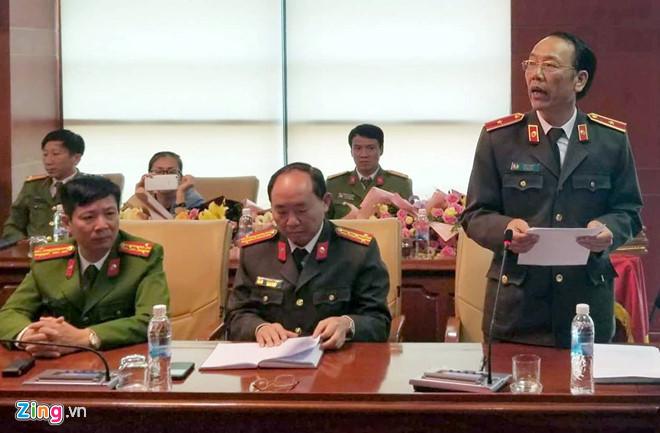 Thiếu tướng Sùng A Hồng, Giám đốc Công an tỉnh Điện Biên, thông tin về vụ án vào chiều 18/2. Ảnh:B.C.