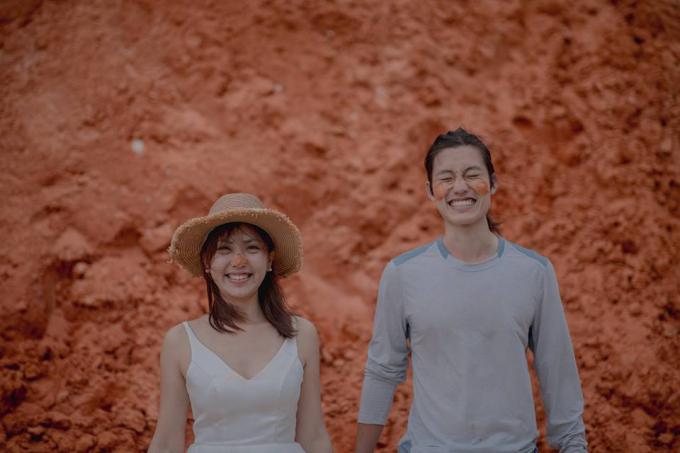 Không màu mè, chính sự giản dị, tự nhiên là điểm cuốn hút làm cho người xem không rời nổi mắt khỏi cặp đôi Paul và Olivia.