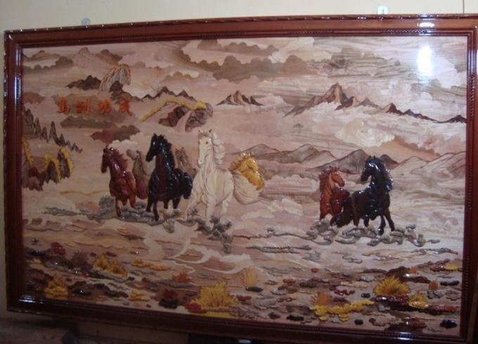 Bức tranh bát mã là một trong những bức anh Viện tâm đắc nhất.