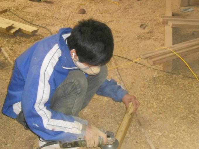Xưởng tạo việc làm cho các thanh niên địa phương
