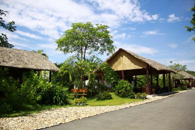 Các chiếu nghỉ phục vụ khách của Công viên Thiên Đức.