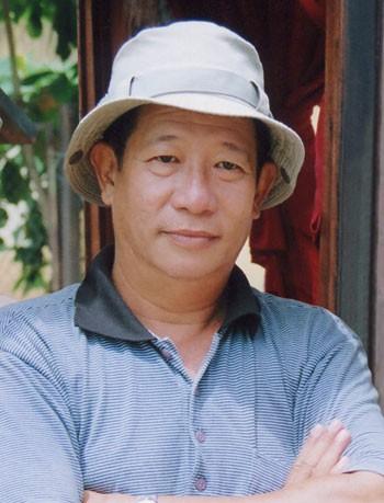 Nghệ sĩ Nguyễn Hậu tuy đóng vai phụ nhưng cũng đa dạng về tính cách, từ nông dân nghèo khó...