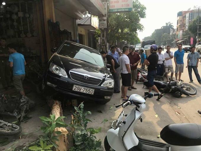 Chiếc xe điên gây nên vụ tai nạn liên hoàn.